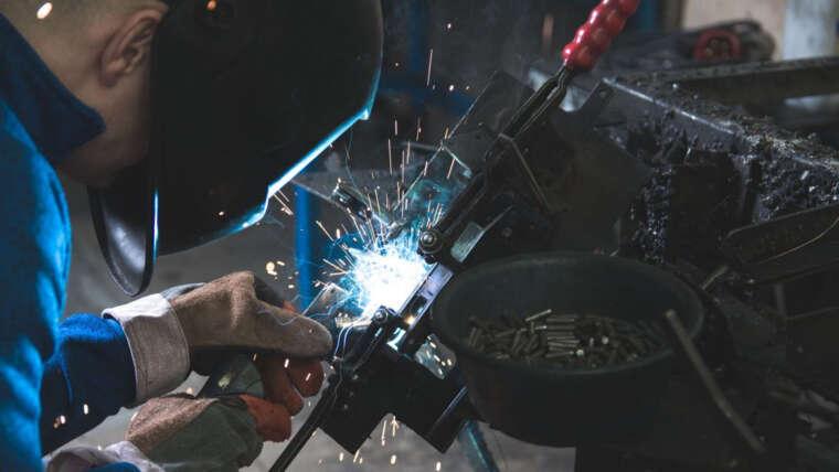 CNC Makina İthalatçısının İş Modelinde İnovasyon
